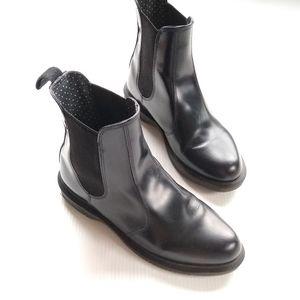 Dr Martens • Flora Chelsea black leather boots